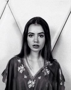 Eyebrows - lily Collins