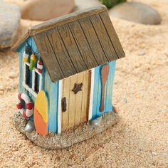 Miniature fairy gardens 301319031316979374 - Miniature Beach Shack – Fairy Garden Miniatures – Dollhouse Miniatures – Doll Making Supplies – Craft Supplies Source by Miniature Dolls, Miniature Fairy Gardens, Fairy Garden Supplies, Beach Fairy Garden, Homemade Bird Houses, Small Wooden House, Beach Shack, Pottery Houses, Bird Houses Painted