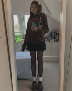 Indie Outfits, Edgy Outfits, Grunge Outfits, Cute Casual Outfits, Pretty Outfits, Fashion Outfits, Black Skirt Outfits, Preppy Grunge, Fashion Clothes