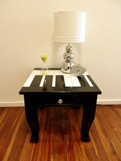 This is an adorable piano key end table. Perfect addition for any music studio or living room. Crafty cleverness by Meg and Mums { @Megan Ward @ Meg and Mum's } #DIY #project #decor