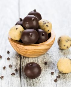 Who does not love eating cookie dough straight from the bowl? These easy, egg-free Chocolate Chip Cookie Dough Truffles make the best homemade food gifts!