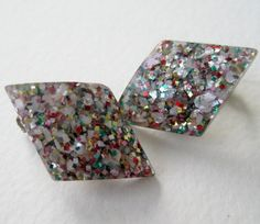 Vintage 50s Mid Century Kitsch Multicolor Confetti Lucite Glitter Diamond Shaped Earrings by ThePaisleyUnicorn, $6.00