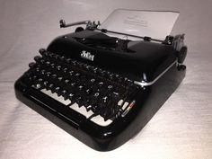Alte tragbare Schreibmaschine Erika 10 vintage portable typewriter