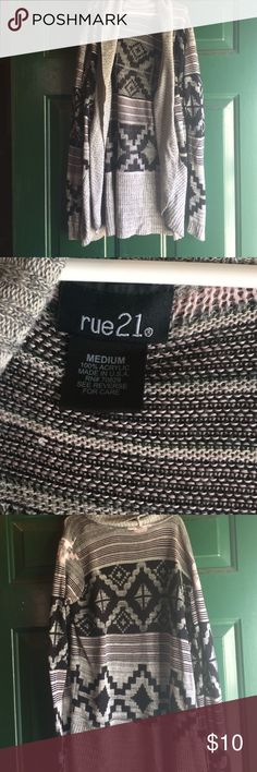 Rue 21 cardigan sweater size medium Pretty size medium cardigan EUC smoke free home dog mom Rue 21 Sweaters