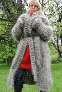 Gros Pull Mohair, Thick Sweaters, Mohair Sweater, Grey Cardigan, Beanie, Catsuit, Sweater Outfits, Wool Coat, Winter Fashion