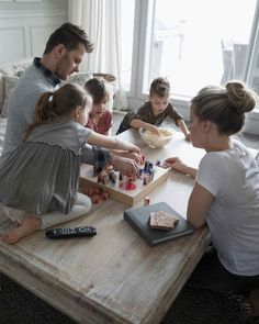 Family Playing Board Game at Home Cute Family, Big Family, Family Goals, Home And Family, Indoor Family Photography, Summer Family Photos, Family Picture Poses, Cute Baby Pictures, Family Game Night