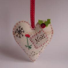 sweet felt Christmas heart ornament, by Roxy Creations