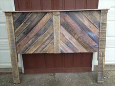 Wooden Pallet Furniture handmade wooden pallet chevron headboard with shelf - We have accumulated 16 diy pallet headboard ideas around the web that would surely add some historical grandeur and classy glam to your bedroom Wooden Pallet Projects, Wooden Pallet Furniture, Wooden Pallets, Pallet Ideas, Pallet Wood, Plastic Pallets, Pallet Chair, Pallet Tables, Furniture Ideas