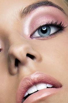 Beauty Color Story by Jessica Rivera, via Behance Beauty Art, Beauty Makeup, Beauty Hacks, Hair Makeup, Hair Beauty, Beauty Tips, Glossy Eyes, Makeup Samples, Draw