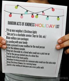 Random Acts of Kindness Holiday Printable  -- download, print and start planning now for the holidays!