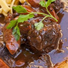 Beef in creamy sauce Vegetarian Recipes Videos, High Protein Vegetarian Recipes, Cooking Recipes, Belgian Food, Beef Bourguignon, Dinner Recipes For Kids, Winter Food, Food Videos, Food And Drink
