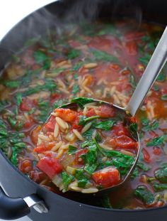 Italian Orzo Tomato Spinach Soup - Loaded with roasted garlic, onions, and Italian seasoning.