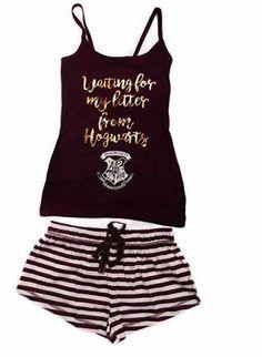 juego De Pijama Pantalones Cortos Y Top  Ofertas Especiales Y Promociones  Caracteristicas Del Producto: Harry Potter Hogwarts camiseta & Pantalones