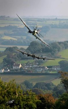 Vintage Aircraft relative used to fly in them Ww2 Aircraft, Fighter Aircraft, Fighter Jets, Military Jets, Military Aircraft, Lancaster Bomber, Supermarine Spitfire, Ww2 Planes, Aviation Art