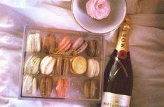 Champagne & Maccaroons