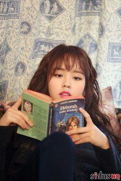 Kim So Hyun looks fantastic while filming a new commercial! Child Actresses, Korean Actresses, Korean Actors, Lets Fight Ghost, Hyun Soo, Kim Sohyun, Kim Yoo Jung, Yoo Ah In, Sung Kyung