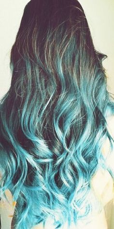 Solid dark brown hair don't surprise today. Try refreshing highlights for dark brown hair – blonde, red and light brown – and feel the difference! Hair Dye Tips, Dye My Hair, Blue Tips Hair, Dyed Tips, Pelo Color Azul, Twisted Hair, Brown Hair With Highlights, Coloured Hair, Mermaid Hair