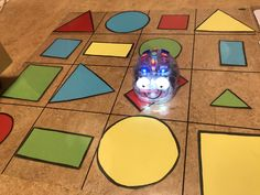 Tips på Blue-Bot mattor som man kan göra själv!Den genomskinliga rutmönstrade plastmattan hittar ni på hos.se.Barnen har bygg men bana för roboten att ta sig igenom med kaplastavar. Färg och form.M… Coding For Kids, Instructional Technology, Blue Boots, Reggio Emilia, Learning Environments, Kids Rugs, Science Lessons, Activities, Toys