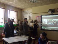 Scuola 2.0 La visita del sottosegretario Roberto Reggi Reggio, Tv, Learning, Ideas, Television Set, Studying, Teaching, Thoughts, Television