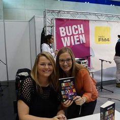 Sabine Schoder :) Was für eine liebe und nette Person (: Auf der Frankfurter Buchmesse hab ich sie leider verpasst. Nun haben wir das aber nachgeholt <3 #sabineschoder #buchwien15 #buchwien #autorin by beautybooks