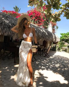 Meninices: Looks Praia - Emma Summer Fashion Cruise Outfits, Summer Outfits, Cancun Outfits, Vetement Hippie Chic, Boho Fashion, Fashion Outfits, Beachwear Fashion, Beach Fashion, Girl Outfits