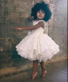 Süßeste schwarze Kinder Afro Frisuren, Beliebte Frisuren, sü Fashion Kids, Girl Fashion, Toddler Fashion, African Fashion, Black Is Beautiful, Simply Beautiful, Naturally Beautiful, Beautiful Children, Beautiful Babies
