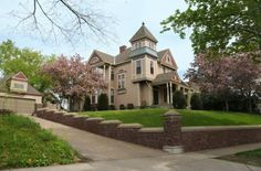 1887 Victorian located at: 2205 Scudder St, Saint Paul, MN 55108