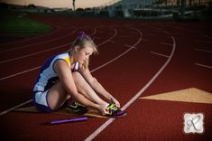 Bayfield Track and Field...I want a senior picture like this it would be nice