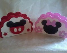 PORTA GUARDANAPO MICKEY E MINNIE Mickey E Minnie Mouse, Fiesta Mickey Mouse, Baby Mickey, Mickey Party, Mickey Mouse Birthday, Girl Birthday, Mini Mouse, Baby Scrapbook, Party Centerpieces