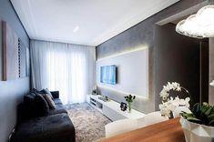 painel para sala pequena com iluminação de LED embutida Sala Grande, Living Room Designs, Minimalism, Bedroom Decor, Relax, Mirror, Furniture, Instagram, Home Decor
