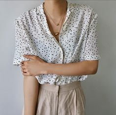 tucked buttonup, white top, necklace