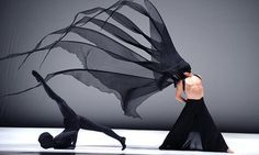 Wind Shadow by Cloud Gate Dance Theatre Dance Movement, Theatre Costumes, Dance Company, Scenic Design, Modern Dance, Dance Photos, Lets Dance, Dance Photography, Photography Poses