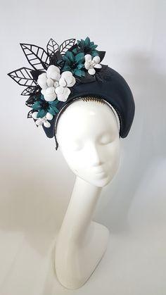 Custom and read to wear fascinators, hats and headwear Lilac Fascinator, Fascinator Hats, Headpiece, Fancy Hats, Cool Hats, Races Fashion, Millinery Hats, Headband Styles, Wedding Headband