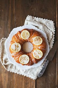 Lemon Yogurt Cake / In the Little Red House