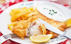Ryba w cieście piwnym. Przekonaj się, za co pokochali ją Anglicy. PRZEPIS na fish and chips My Plate, Fish And Chips, Quinoa, Deserts, Curry, Plates, Tableware, Licence Plates, Curries