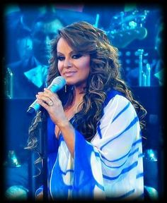 Mariposa de barrio~ beautiful jenni rivera