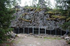 Karijoellla sijaitsevan Susiluolan iäksi on arvioitu yli miljoonaa vuotta. Finland Travel, Travel Tips, Hiking, Outdoor Structures, Places, Historia, Pictures, Walks, Travel Advice