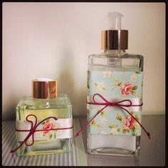 Kit para banheiro com aromatizador e sabonete líquido.  Encomende o seu pelo email daniprado.artes@outlook.com