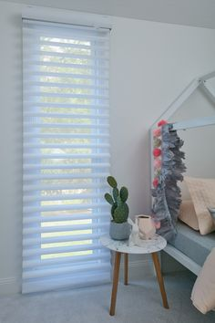 Luxaflex Pirouette Shadings, Girls Room - Child-safe Blinds Solutions