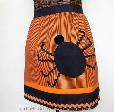 Sew a Halloween Spider Apron with this Spider Half Apron designed by Phyllis Dobbs Halloween Apron, Halloween Sewing Projects, Halloween Crafts For Toddlers, Halloween Patterns, Halloween Spider, Halloween Diy, Vintage Halloween, Halloween Tutorial, Vintage Fall
