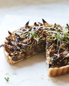 This Wild Mushroom Tart is stuffed with wild mushrooms and a really easy custard filling! Chanterelle Mushroom Recipes, Mushroom Tart, Tart Filling, Custard Filling, Wild Mushrooms, Stuffed Mushrooms, Whats Gaby Cooking, Savory Tart, Orange Recipes
