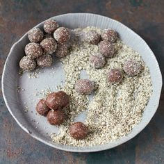 From his new cookbook, Everyday Superfood, Jamie Oliver shares with us his recipe for a sneakily delicious energy snack. Get this recipe at Chatelaine.com
