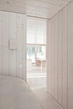 my scandinavian home: A sustainable Finnish cabin /Alternative wall finish White Washed Wood Paneling, White Washed Pine, White Wash Walls, Wood Paneling Decor, White Wood, Scandinavian Cabin, Whitewash Wood, Cabins And Cottages, Cabins In The Woods