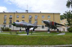 Redzikowo. Mig-21PF(w słupskim pułku latały Migi- 21MF) i Mig-23M  z rosyjskiego pułku z Bagicza maszyna służyła jako źródło części zamiennych. Fighter Jets, Aircraft, Aviation, Planes, Airplane, Airplanes, Plane