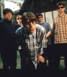 Damon Albarn, Coldplay, Banda Oasis, Liam Oasis, Rock Band Photos, Oasis Music, Oasis Band, Liam Gallagher Oasis, Liam And Noel