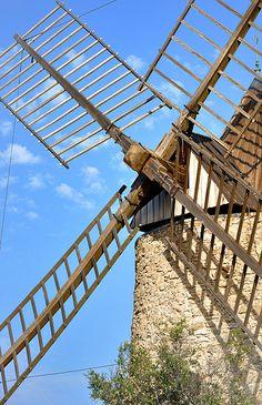 Les ailes du moulin de Grimaud (par Charlottess)