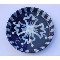 Ceramica Artistica -   Sottobottiglia in ceramica decorata a mano, realizzato a Cava de' Tirreni  Diametro cm 11 - Altezza cm 2,5.  Maggiori info su: http://www.keramos.it  Per contatti diretti: info@keramos.it    Ceramic Art  Coaster in hand-decorated ceramics. Made in Cava de' Tirreni  Diameter 11 cm - Height 2,5 cm  More info on: http://www.keramos.it  Direct contact: info@keramos.it