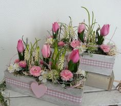 Decorative objects - Spring arrangement of Bellis tulips in a cement bowl - a designer piece . - Decorative objects – Spring arrangement of tulips Bellis in cement bowl – a designer piece by d - Easter Flower Arrangements, Floral Arrangements, Valentines Day Decorations, Flower Boxes, Floral Bouquets, Holidays And Events, Easter Crafts, Tulips, Centerpieces