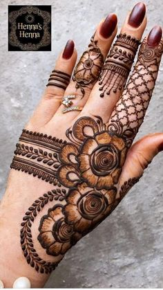 Simple Mehndi Designs Fingers, Circle Mehndi Designs, Rose Mehndi Designs, Henna Tattoo Designs Simple, Finger Henna Designs, Back Hand Mehndi Designs, Latest Bridal Mehndi Designs, Stylish Mehndi Designs, Mehndi Designs For Beginners