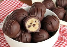 chocolate chip cookie dough truffles are so easy you're going to feel like you're cheating.These chocolate chip cookie dough truffles are so easy you're going to feel like you're cheating. Candy Recipes, Sweet Recipes, Baking Recipes, Cookie Recipes, Cookie Ideas, Cookie Dough Truffles, Chocolate Chip Cookie Dough, Chocolate Truffles, Chocolate Chips